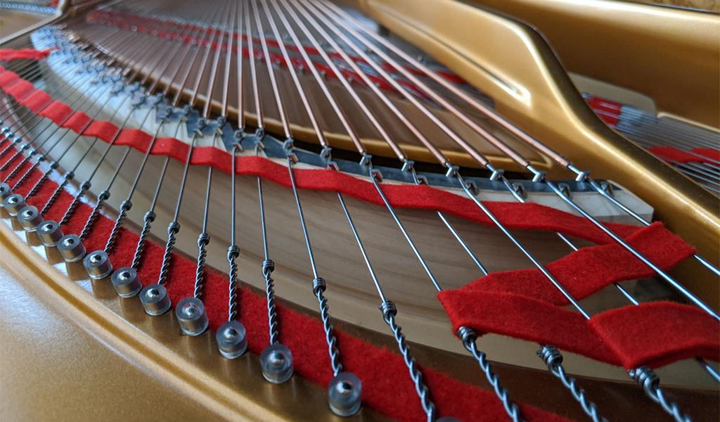 Počena klavirska struna – kaj storiti?