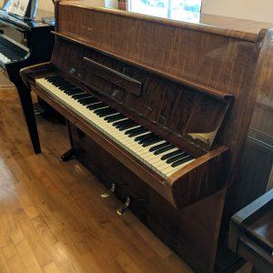 Rabljen pianino August forster