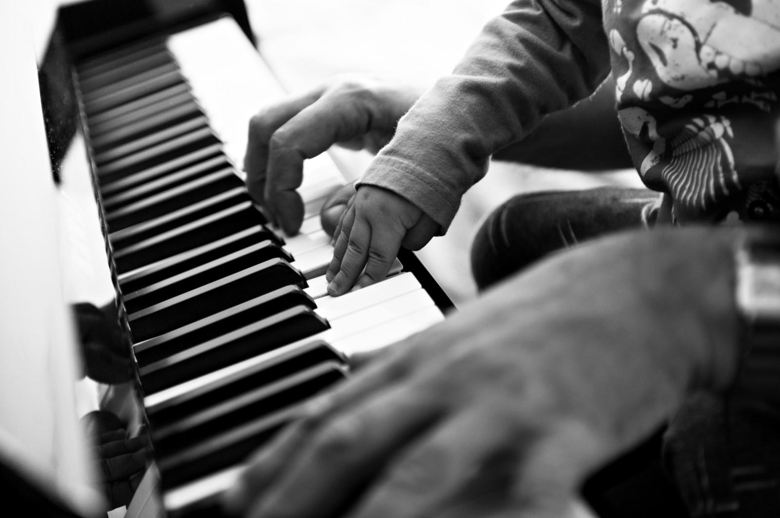 najem pianina za glasbeno šolo za začetnika